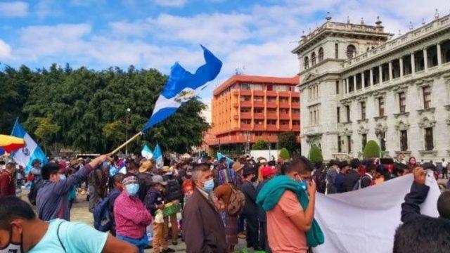 Indígenas de Guatemala exigen renuncia del presidente Giammattei