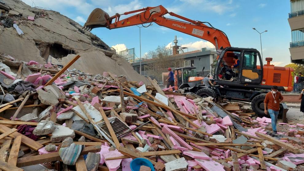 Se eleva a 35 cifra de muertos por terremoto en Turquía