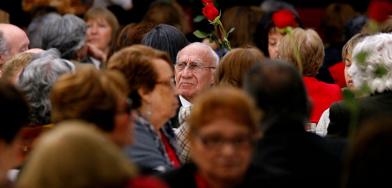 El tabú de la violencia contra las personas mayores que devela la pandemia del COVID-19
