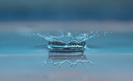¿El agua puede ser líquida en dos estados diferentes?