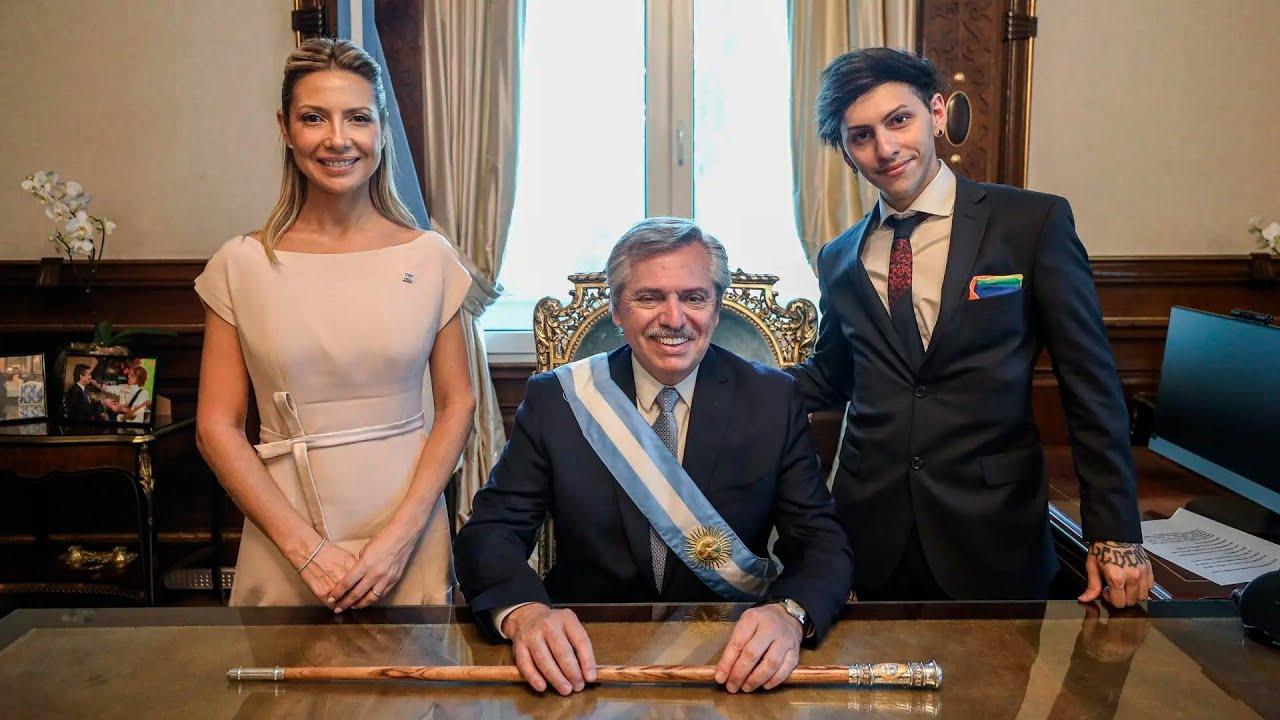 """La pareja del presidente de Argentina demanda a Google por la forma """"misógina y maliciosa"""" en que se le cataloga"""