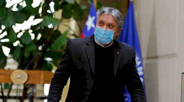 Senador Alejandro Navarro comienza a salir de la ventilación mecánica