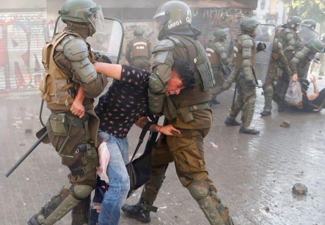 Chile y la represión que no cesa: fin de semana de violencia policial en las calles