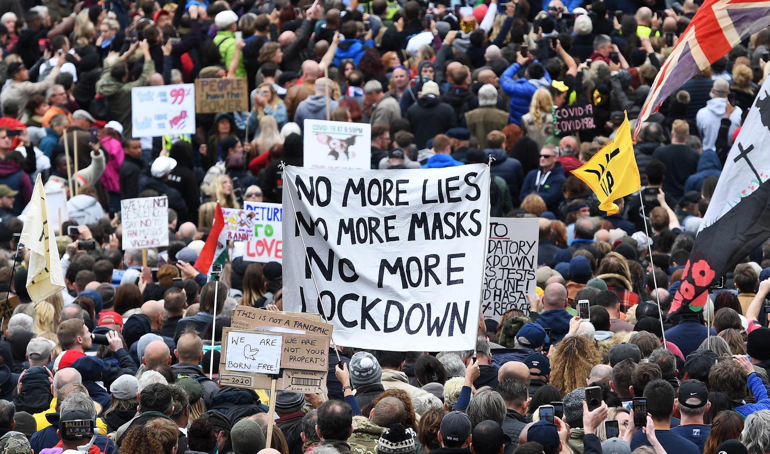 Más de 150 detenidos durante protestas contra confinamiento en Londres