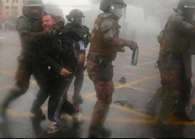 Ni los trabajadores de la salud se salvan: Carabineros reprimieron a manifestantes en Bío Bío