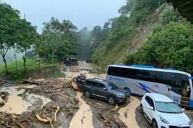 Muertos y desaparecidos ocasionan avalanchas por torrenciales lluvias en Colombia y Guatemala