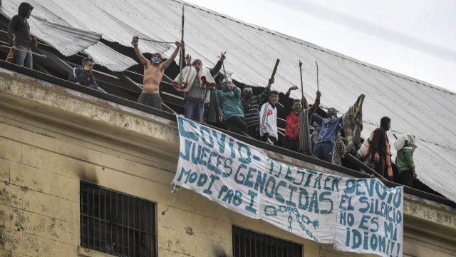 Reanudarán visitas a reclusos en Argentina tras jornada de motines en centros penitenciarios