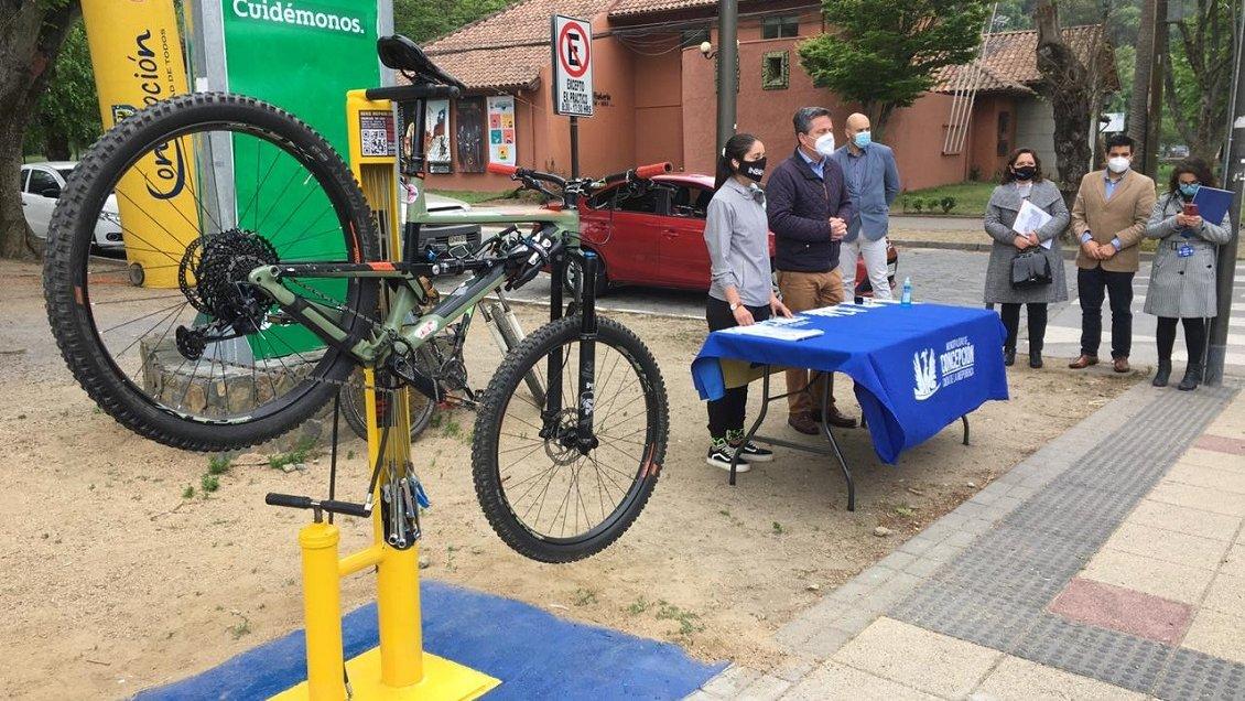 Concepción: Habilitan tres estaciones públicas para reparar bicicletas