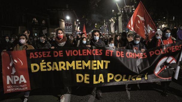 Indignación en Francia por brutal paliza que propinaron agentes policiales a un músico negro
