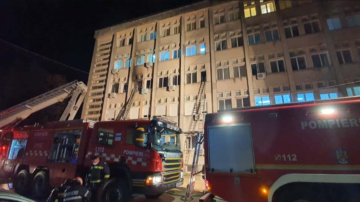 Incendio en hospital rumano ocasionó la muerte de diez pacientes en tratamiento por COVID-19