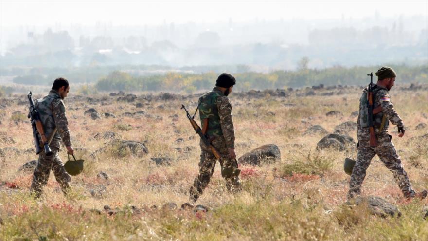 """""""Una decisión muy dura"""": firman declaración sobre cese de la guerra en Nagorno Karabaj"""