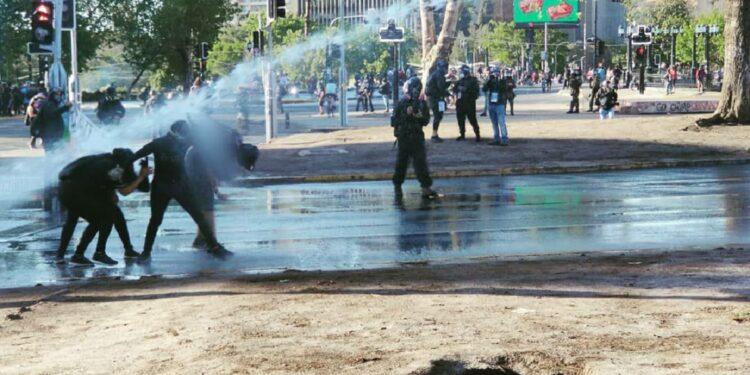 Gestión de Rodrigo Delgado como nuevo ministro del Interior comienza con fuerte represión en Plaza Dignidad
