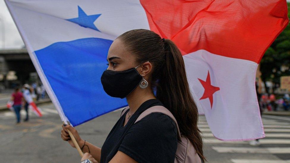 """Panamá establece """"toque de queda"""" y """"ley seca"""" para Navidad y Año Nuevo"""