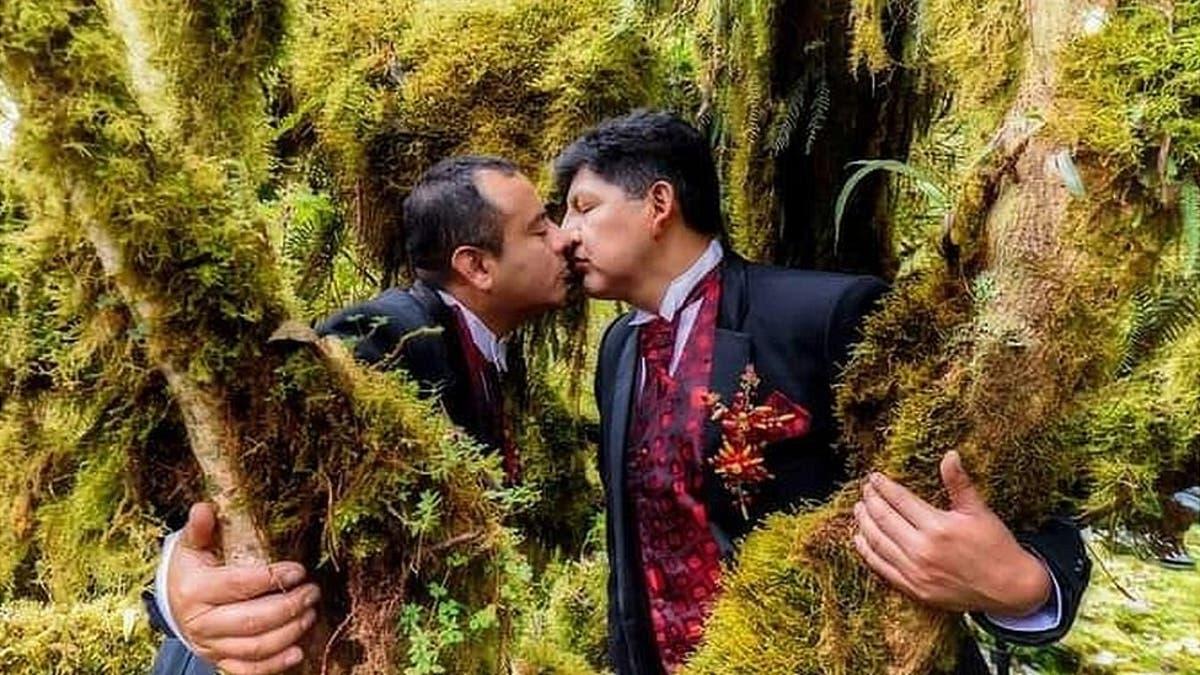 ¡Histórico! Bolivia emite resolución para reconocer la unión civil de dos hombres