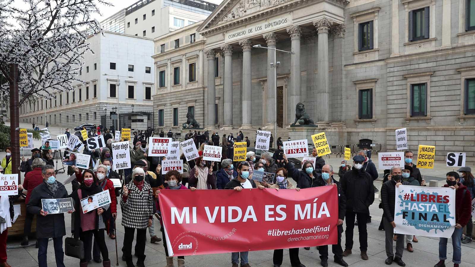Congreso de España aprobó ley de eutanasia