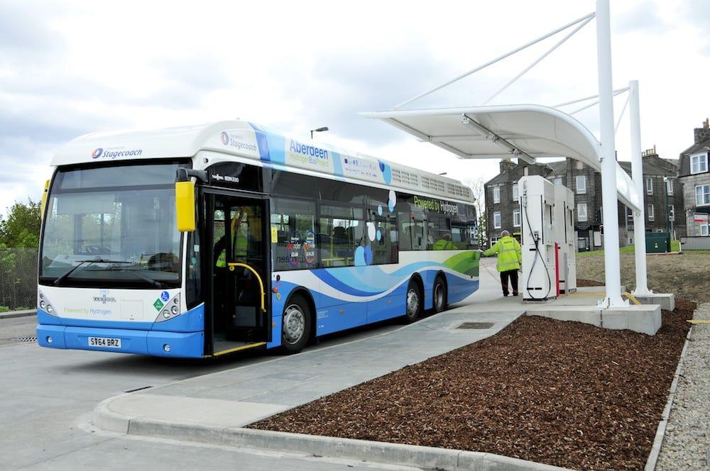 Putin considera posible crear en Rusia un autobús de hidrógeno para 2023