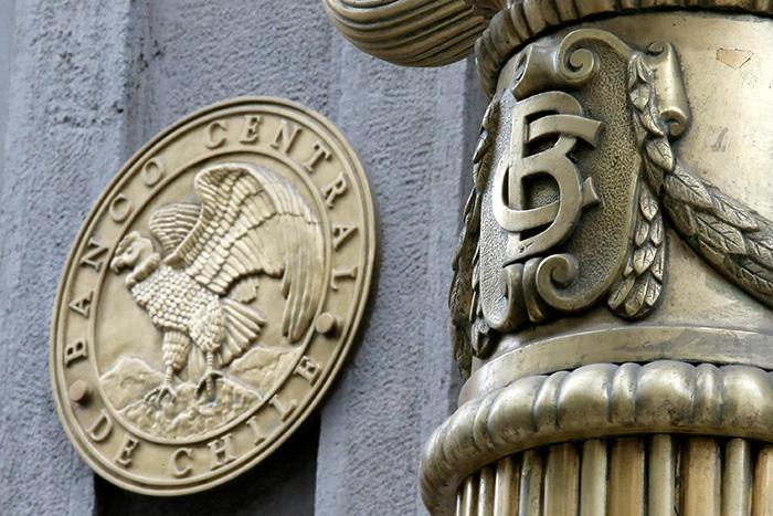 Economía chilena sigue en recesión: Imacec cae por octavo mes consecutivo
