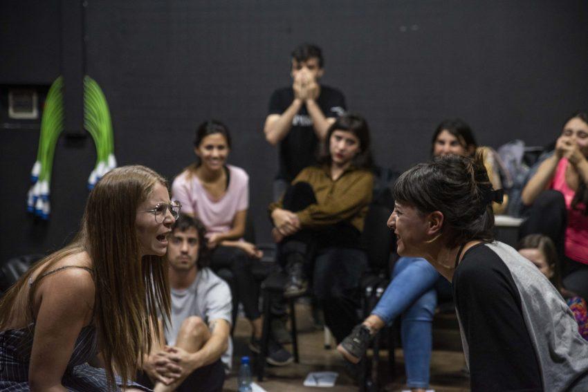 Nueva versión de los Seminarios Teatrales llegará a potenciar la creación e investigación escénica cruzando lo virtual y lo presencial