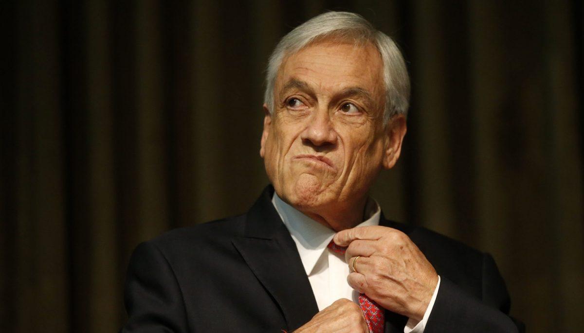 """Economistas condenan que Piñera implementó """"una política económica fracasada"""" y """"aún no percibe el costo social de la crisis"""""""