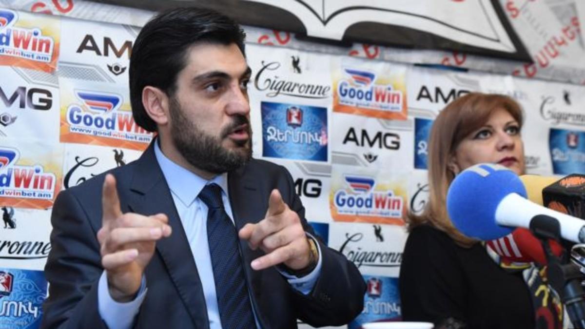 Analista Serob Antinián: «No se puede hablar simplemente de una crisis del sistema de gobierno, estamos ante una crisis política en Armenia»