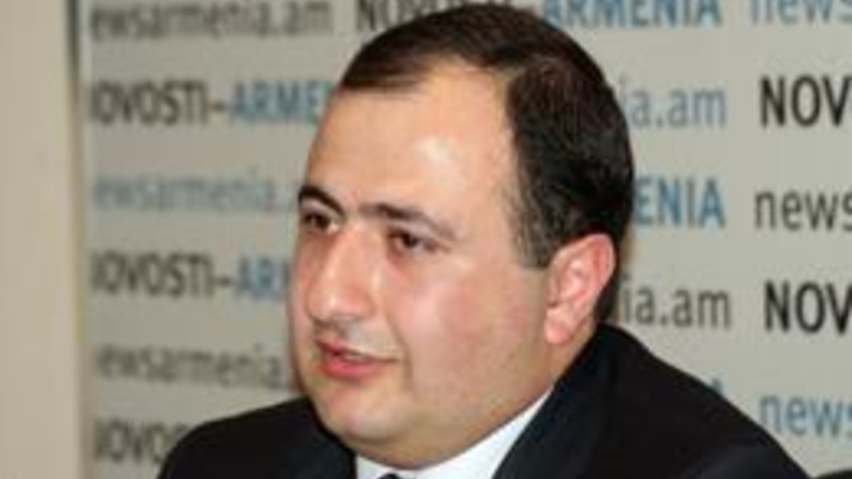 Investigador  Rubén Melkonián: Aumenta presencia militar en la región, «Irán transfirió sus tropas hacia la frontera, mientras Rusia envió un contingente de paz a Karabaj»