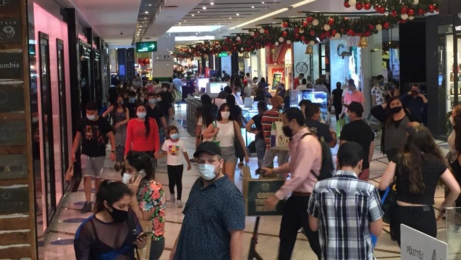 Trabajadores critican rol de empresas y autoridades por aglomeraciones en centros comerciales
