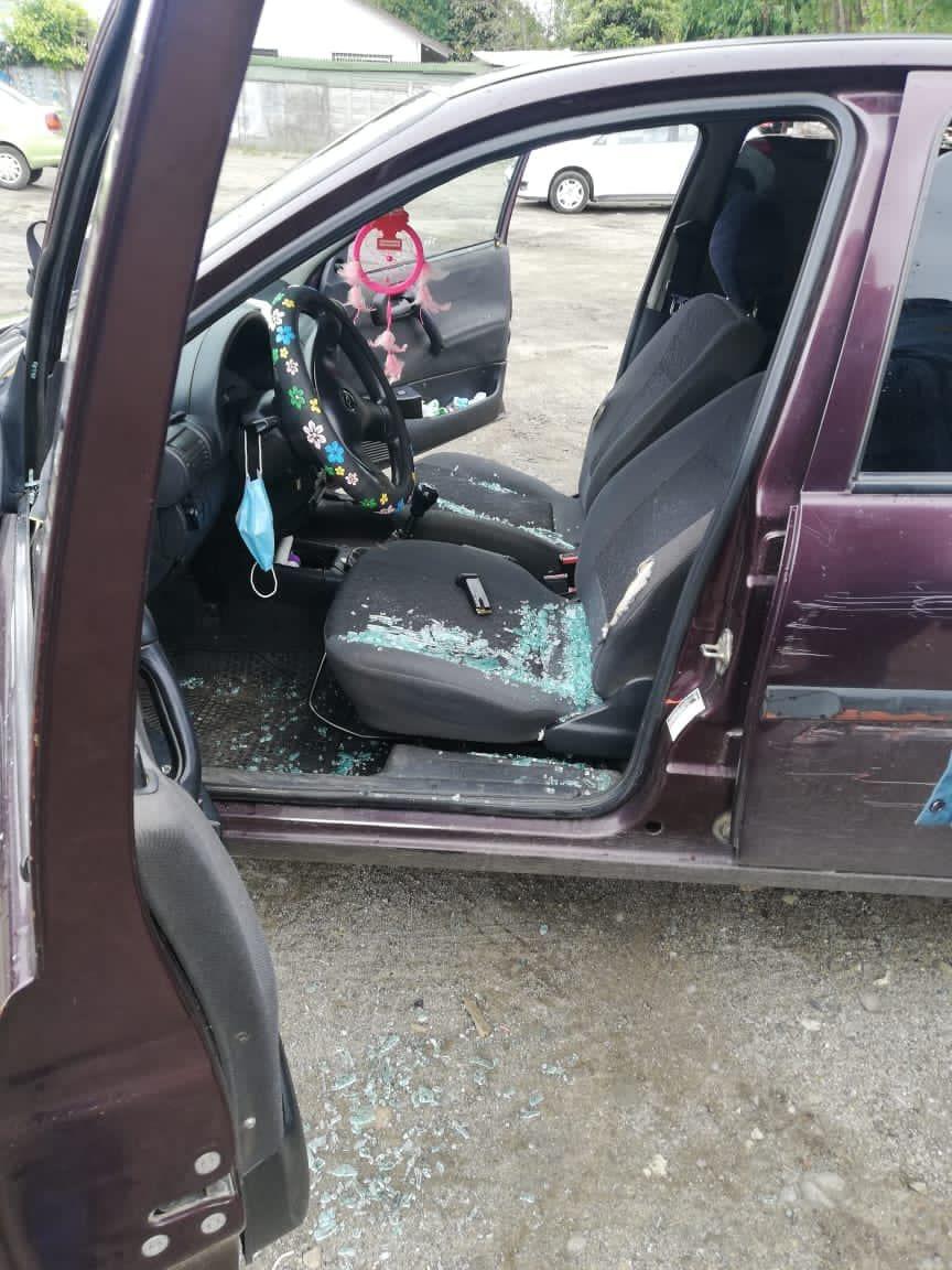 Curanilahue: Mujer denuncia que funcionario de la Armada quebró sin motivos los vidrios de su vehículo