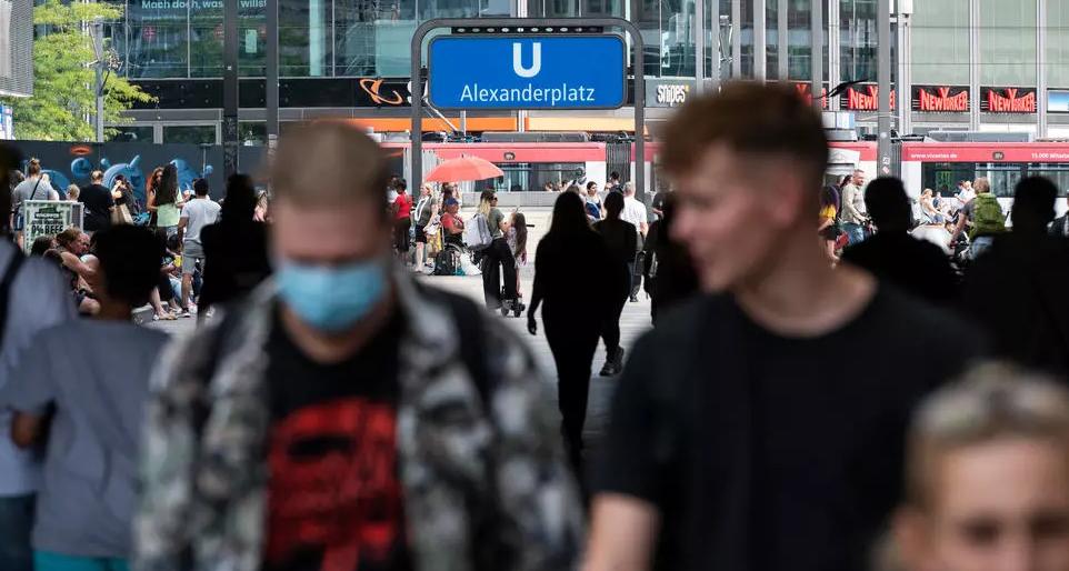 En Berlín prohibieron fiestas públicas y juegos pirotécnicos durante celebración de fin de año