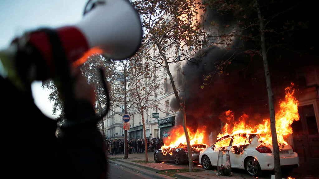 Saldo de 64 detenidos y ocho policías heridos dejan nuevas protestas en Francia