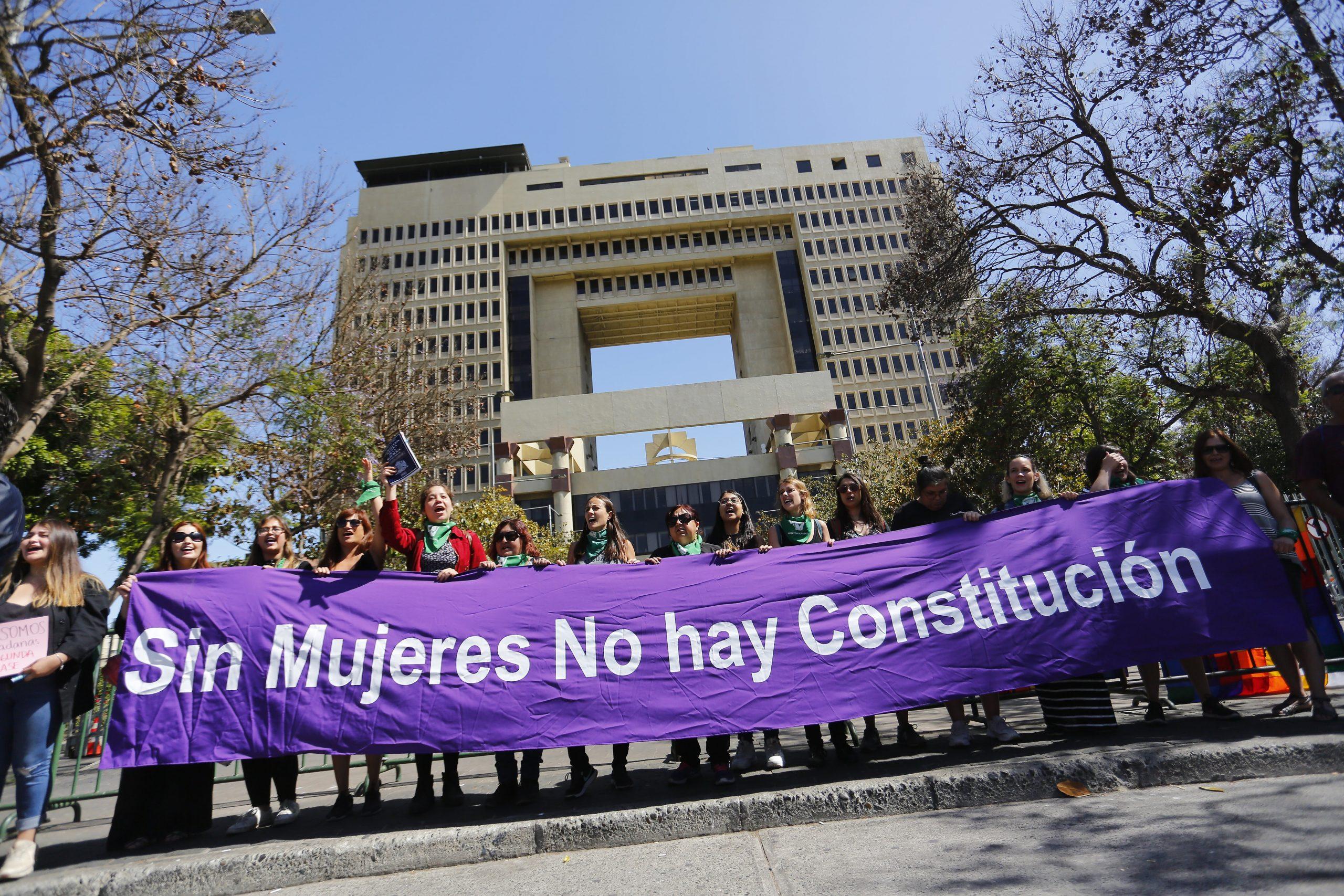Plataforma Feminista presentó 9 precandidatas a la Convención Constituyente