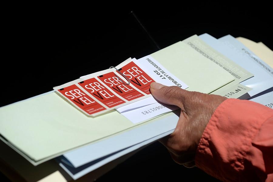 Emplazan al Gobierno a acoger propuestas del Servel sobre voto anticipado