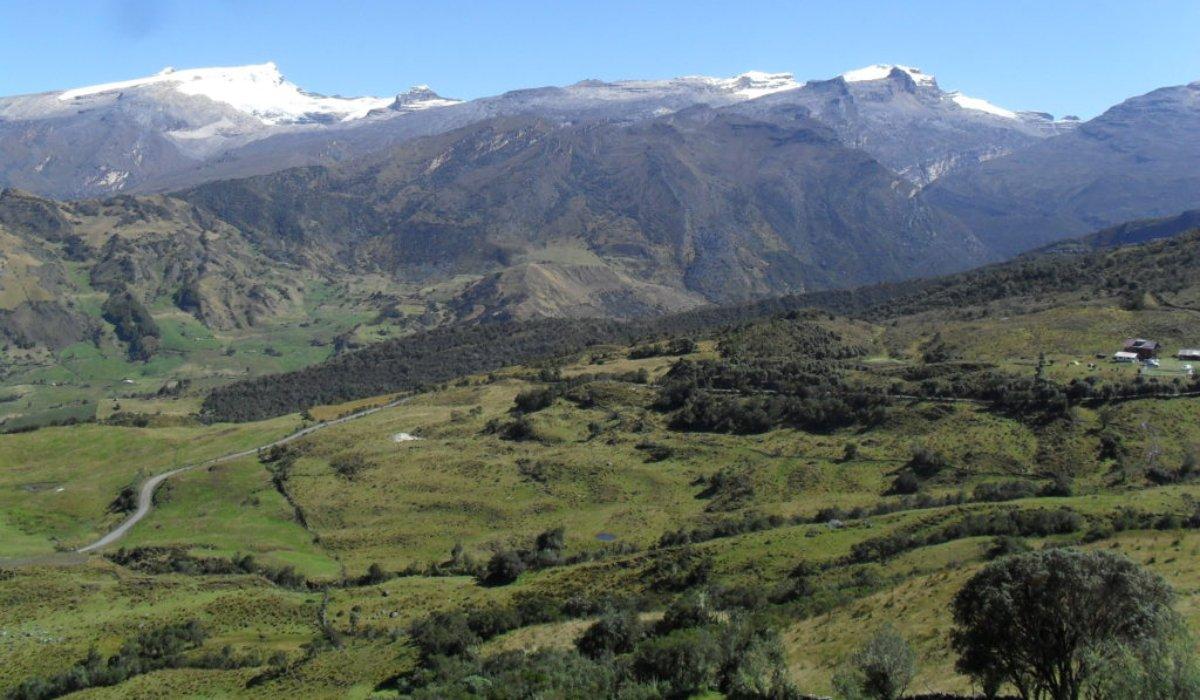 Atípica nevada en verano tiñó de blanco un histórico parque nacional colombiano (+Fotos)