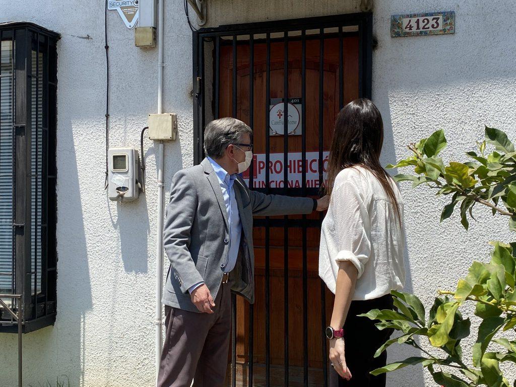 Descubren empresa de Las Condes que cobraba 60 mil pesos por PCR negativo
