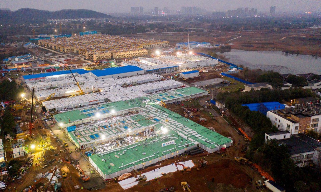 China inauguró hospital para enfermos de Covid-19 construido en apenas en 5 días
