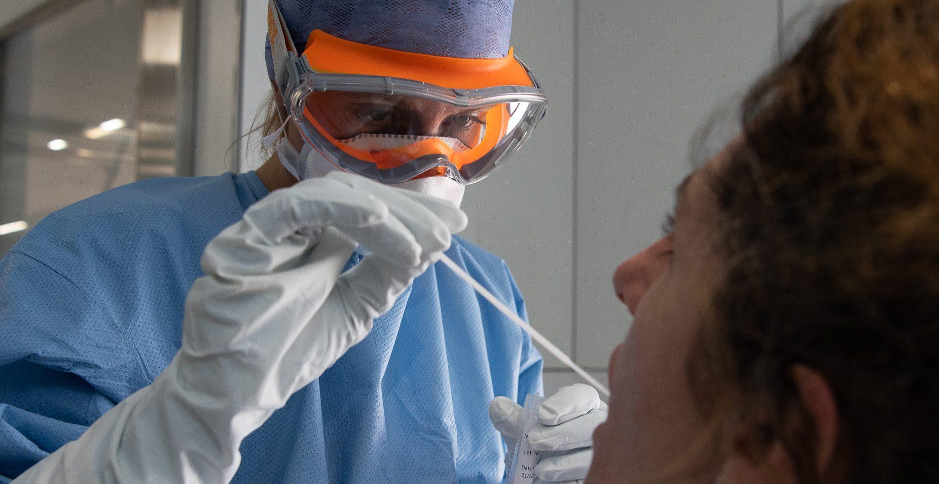 Durante los últimos 4 días Chile superó los 12 mil nuevos contagios por COVID-19