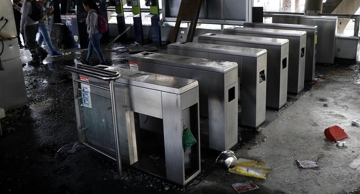 Justicia anula juicio por incendio en Metro Pedreros y ordena realizar uno nuevo