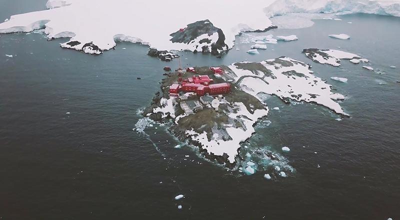 Investigadores de la U. de Chile inician expedición a la Antártica para estudiar inusual actividad sísmica