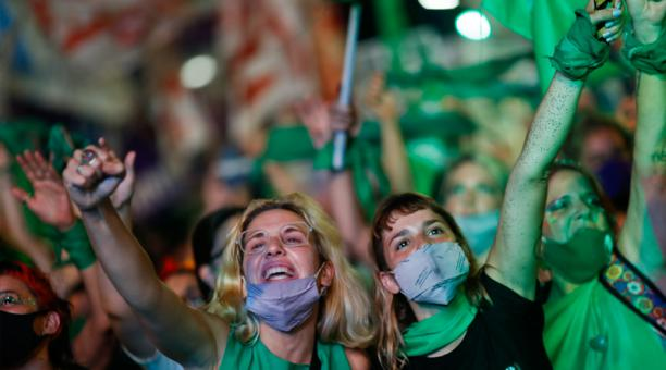 Entró en vigor la ley de aborto libre, gratuito y seguro en Argentina