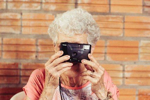 ¿Por qué las abuelas fueron cruciales para la evolución humana?