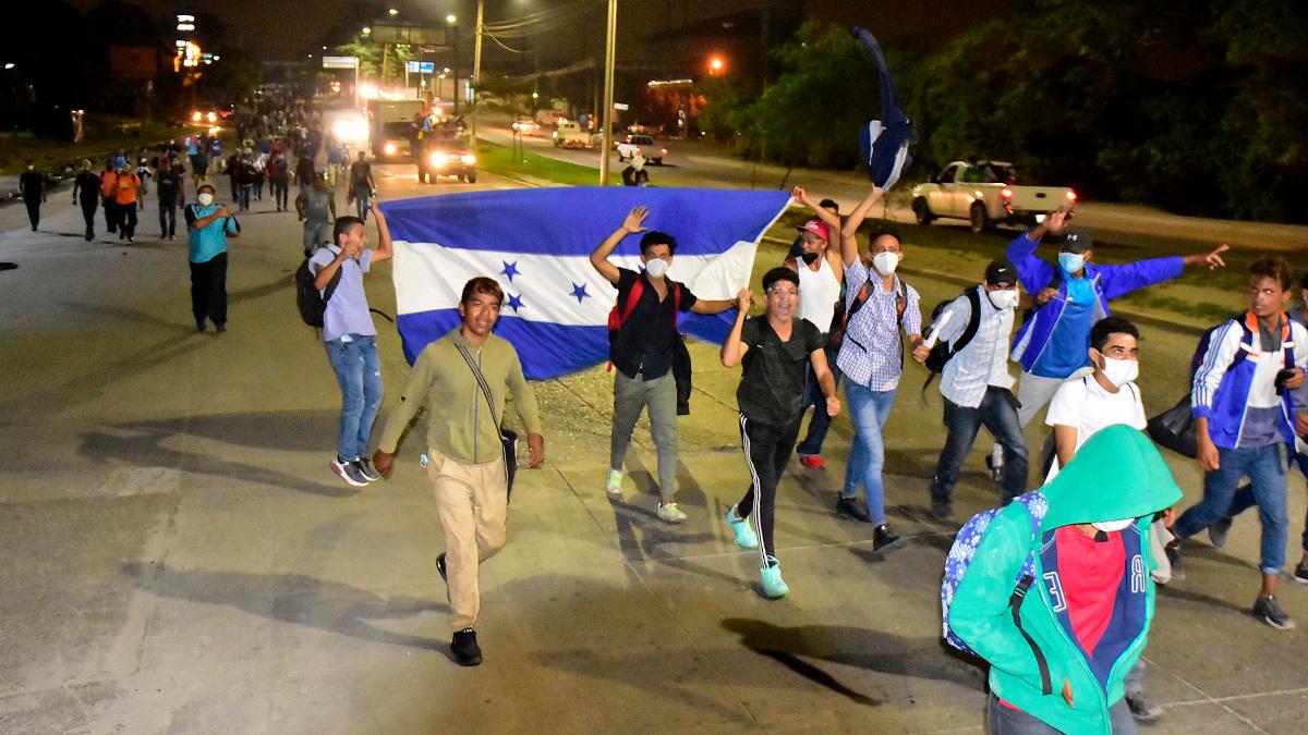 Caravana de 6 mil migrantes hondureños avanza hacia  EE.UU.
