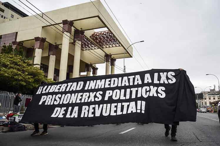 Senado: Comisión de Derechos Humanos aprobó idea de legislar indulto a presos del estallido