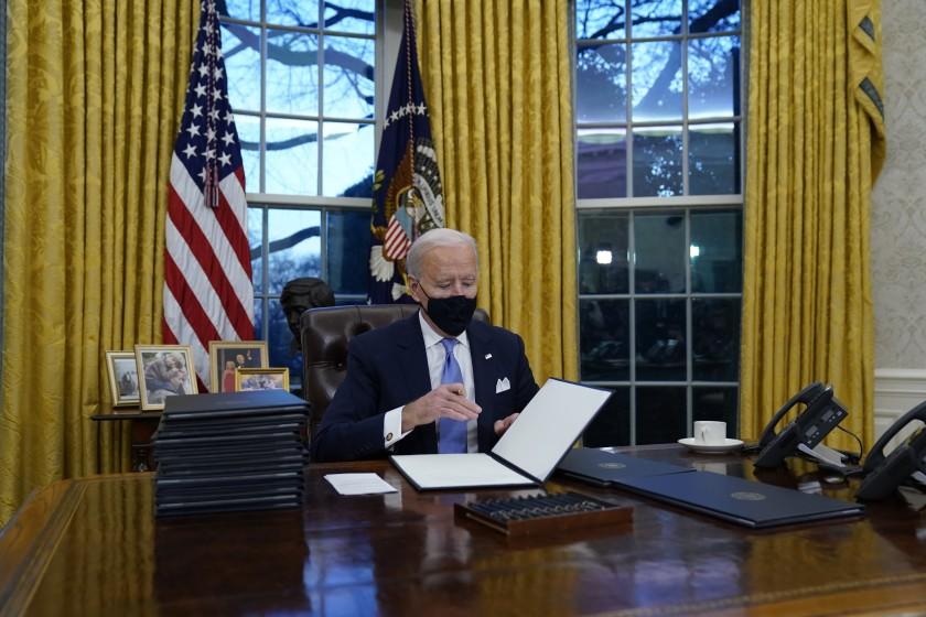 Biden levantó veto migratorio a 11 países