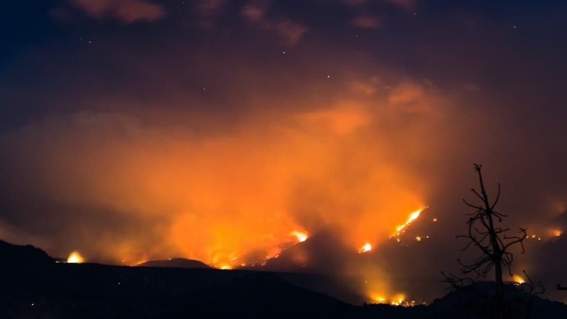 Fuerte incendio en la Patagonia argentina arrasa más de 7 mil hectáreas