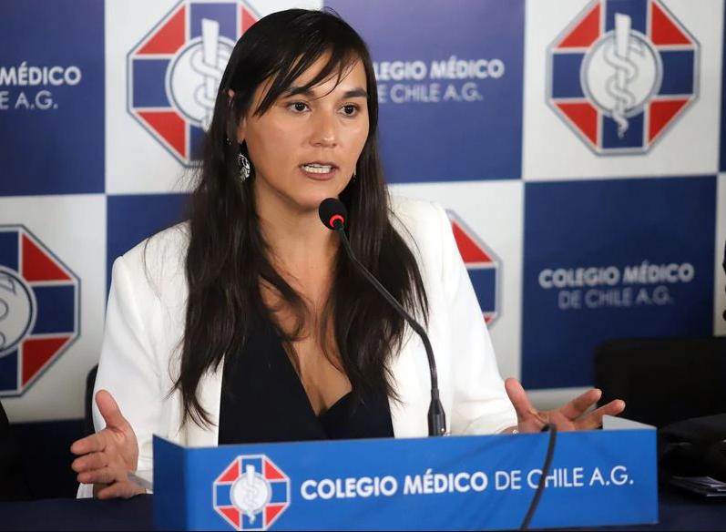 """Izkia Siches advierte que el escenario más desalentador """"es llegar a los 9 mil casos diarios"""""""