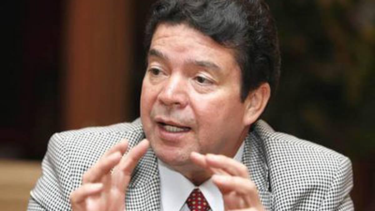 Falleció por covid-19 líder sindical colombiano Julio Roberto Gómez