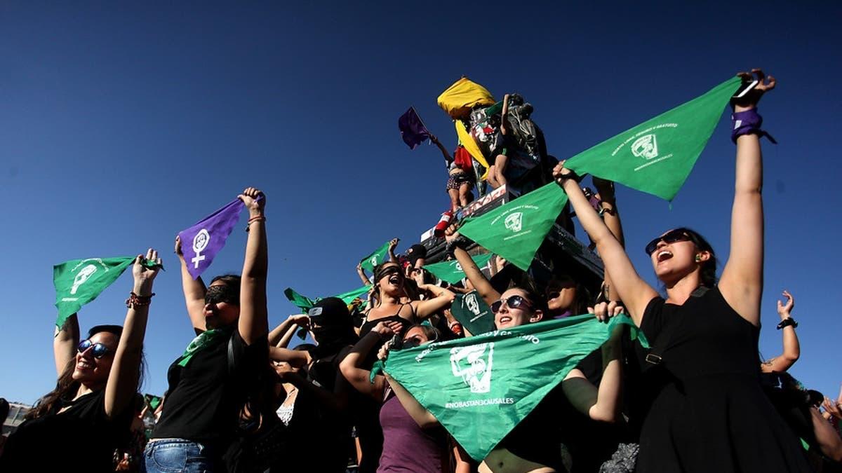 Se viene la marea verde: Comienza discusión del proyecto para legalizar el aborto hasta la semana 14