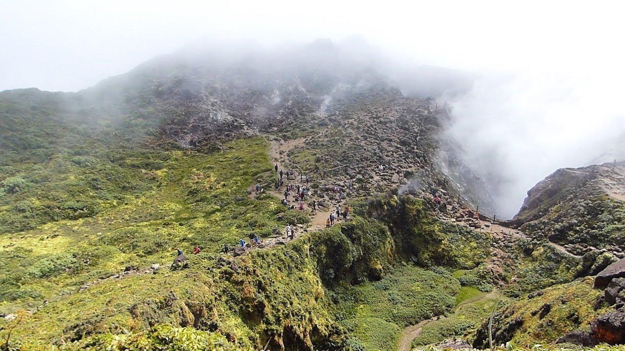 Despertaron dos volcanes del Caribe y emiten alerta en Martinica y San Vicente y las Granadinas