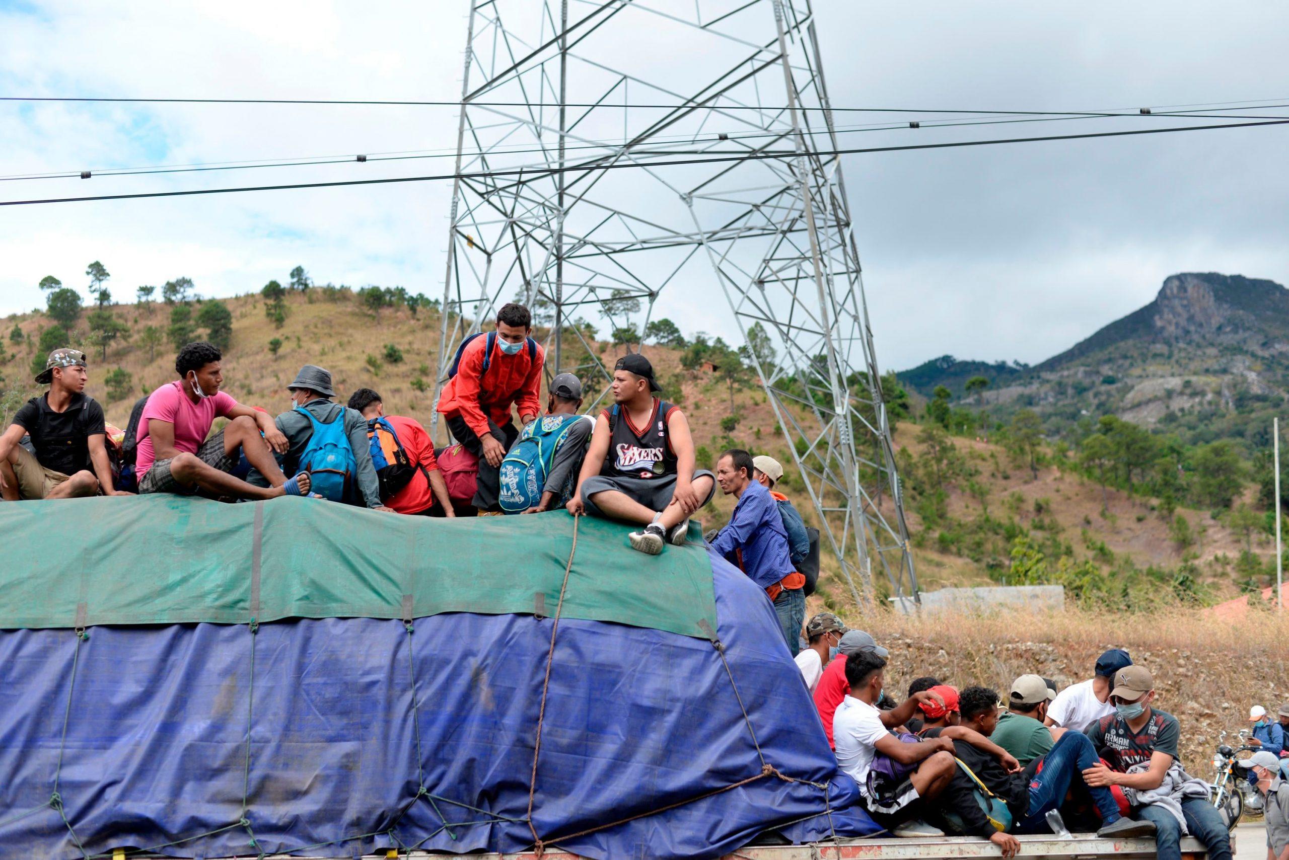 Guatemala detiene y reprime con violencia a la  caravana de migrantes hondureños que se dirigía a EE.UU.