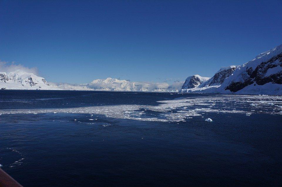 Calentamiento Global continúa amenazando las plataformas de hielo en la Antártida