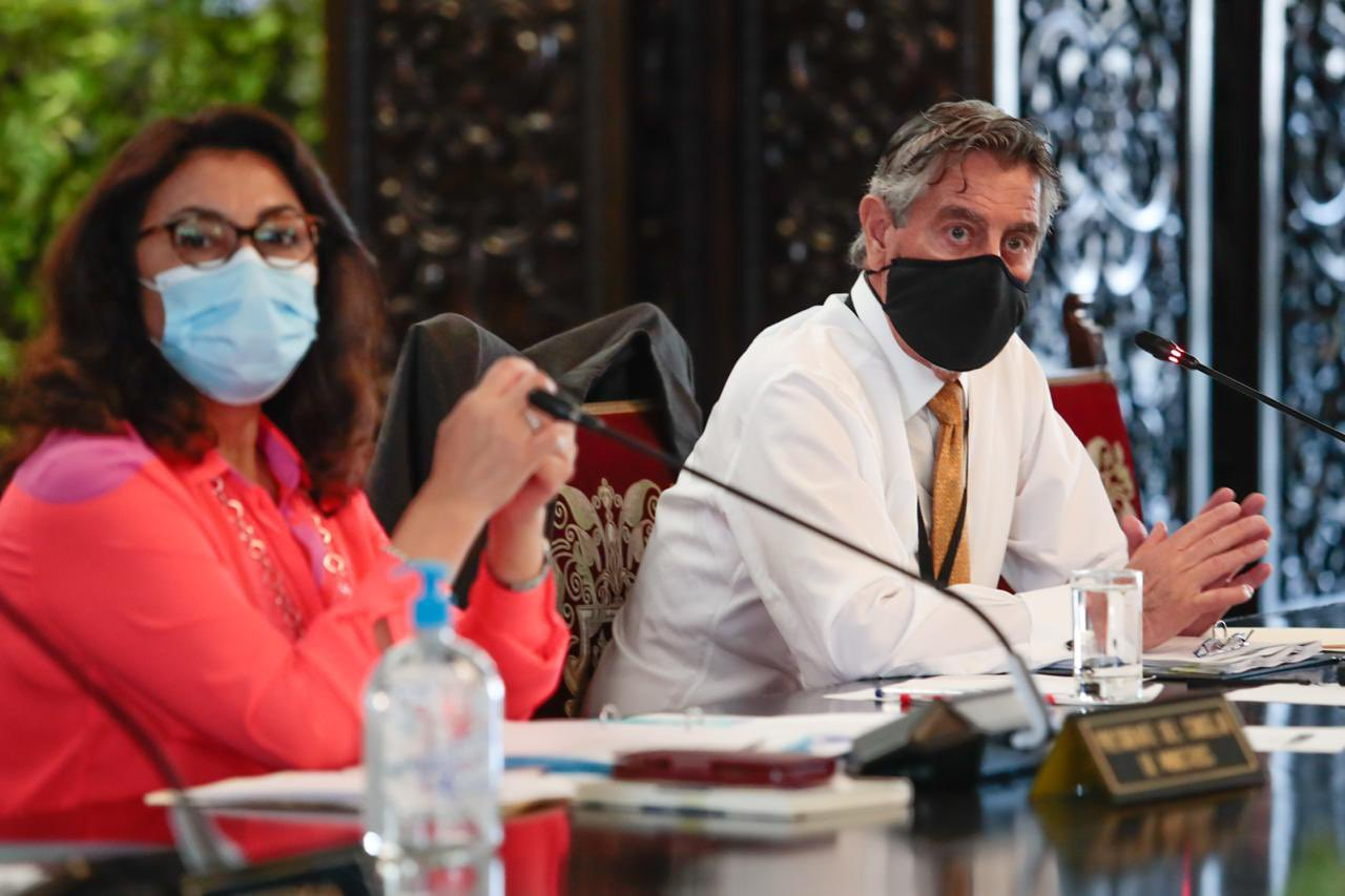 Perú amplía toque de queda en 18 departamentos ante avance de la pandemia